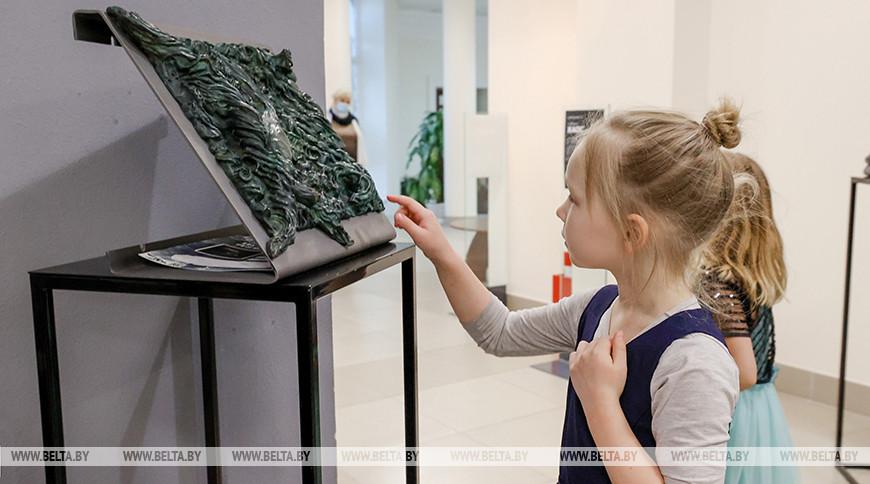 Выставка скульптур открылась в художественной галерее Михаила Савицкого