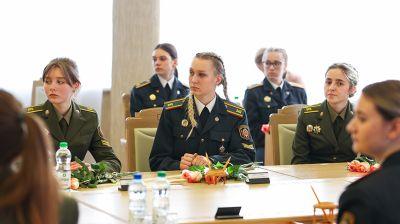 Кочанова встретилась с курсантами Академии МВД