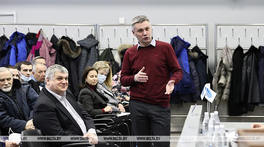 """Кухарев встретился с трудовым коллективом """"Минск-Арены"""""""