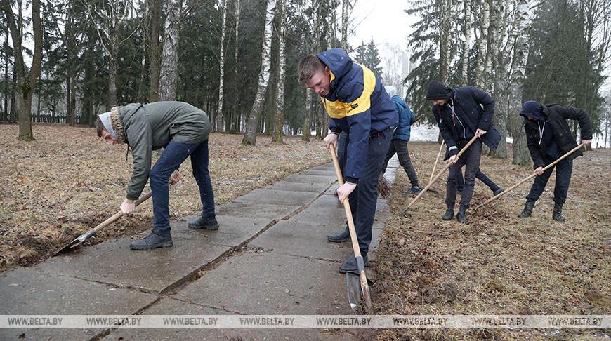 Акция по благоустройству мемориала на месте сожженной деревни прошла в Могилевском районе