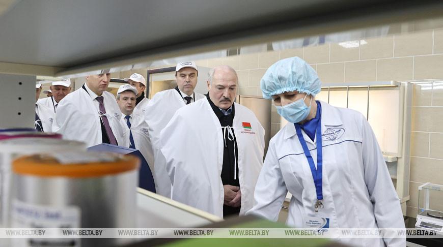 """Лукашенко посетил """"Молочный мир"""" в Гродно"""