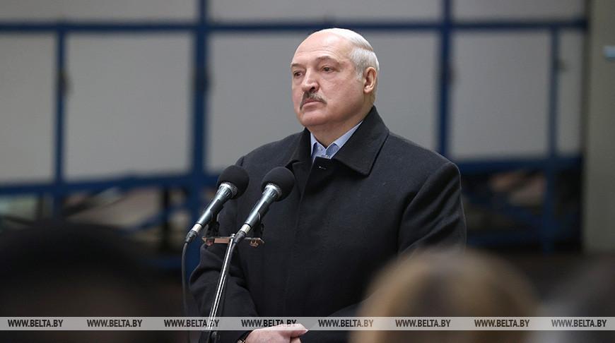 Лукашенко встретился с коллективом кожевенного завода
