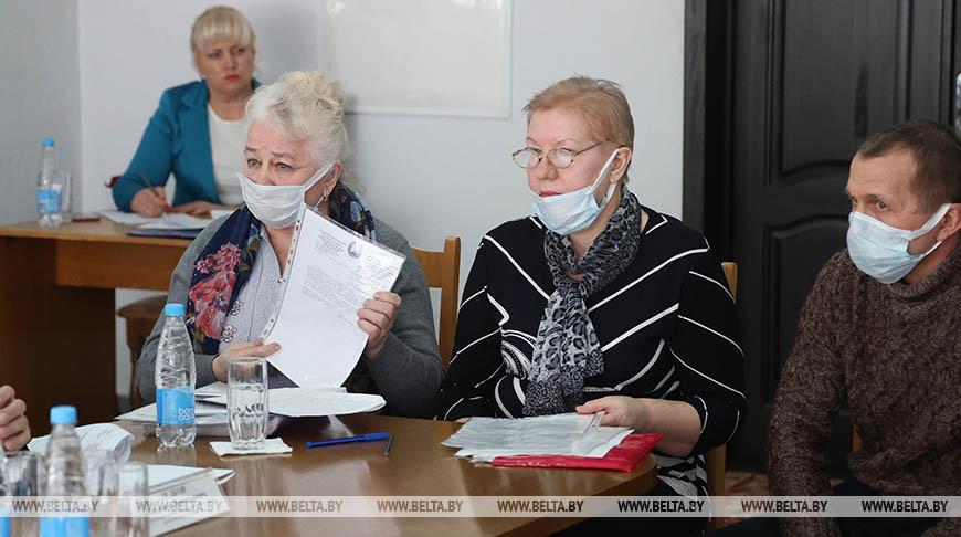 Сергеенко провел прием граждан в Осиповичах