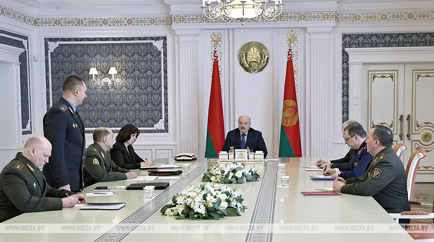 Лукашенко провел совещание по вопросу общественно-политической обстановки в стране