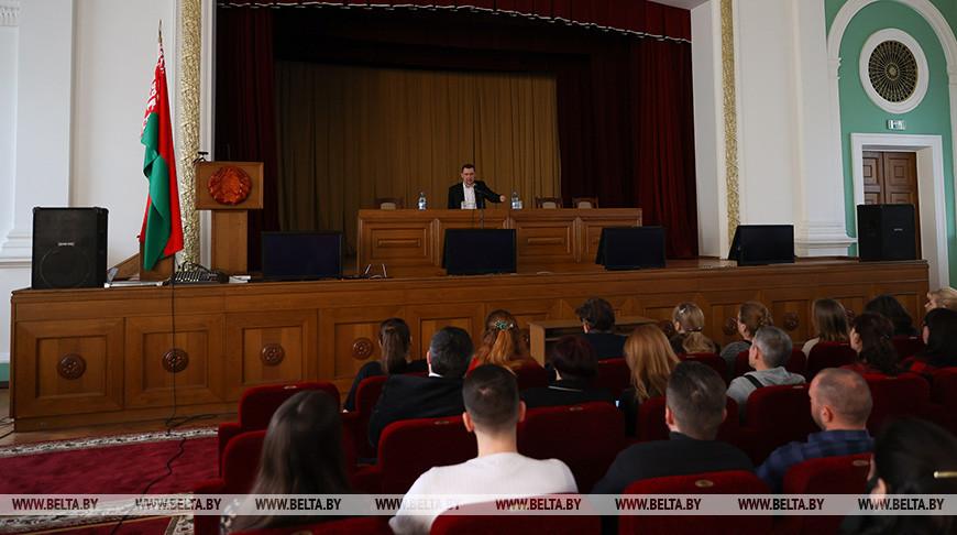 Алексей Талай провел встречу, посвященную конституционной реформе