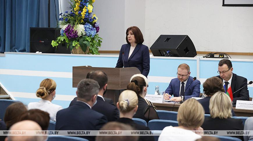 "Кочанова посетила ""Белмедпрепараты"""
