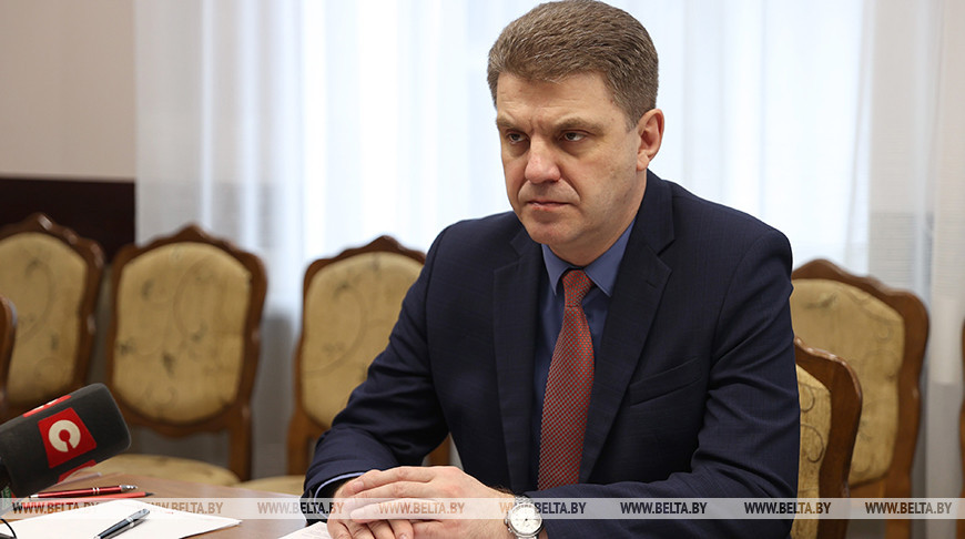 Кухарев провел прием граждан на МТЗ