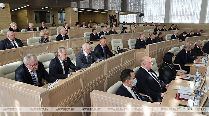 Пятая сессия открылась в Совете Республики