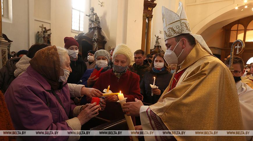 В Фарном костеле Гродно 3 апреля состоялось главное пасхальное богослужение - навечерие Пасхи