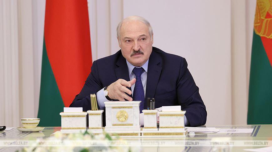 Лукашенко - руководству Польши: у нас немало проживает поляков, но это наши поляки, их родина - Беларусь
