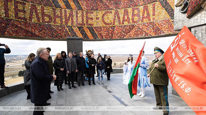 Знамя Победы и землю с Кургана Славы поднимут на Джомолунгму