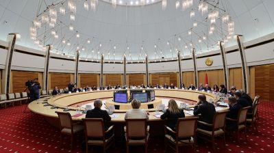 Заседание Конституционной комиссии проходит в Минске
