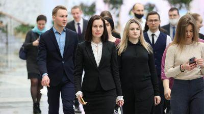 Молодые следователи побывали на экскурсии во Дворце Независимости