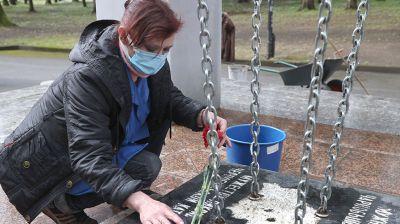 """Работы по благоустройству у мемориального знака """"Жертвам Чернобыля"""" идут в Могилеве"""