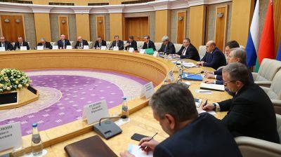Роман Головченко и Михаил Мишустин провели встречу в расширенном составе