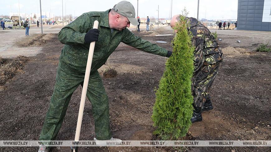 Строящийся ФОК стал одним из главных объектов субботника в Могилеве