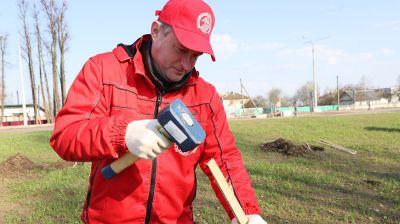 В Витебске во время субботника заложили новый парк