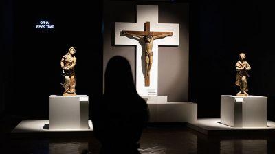 Наедине с Христом: неотреставрированные распятия XVII-XIX вв. представили в НХМ