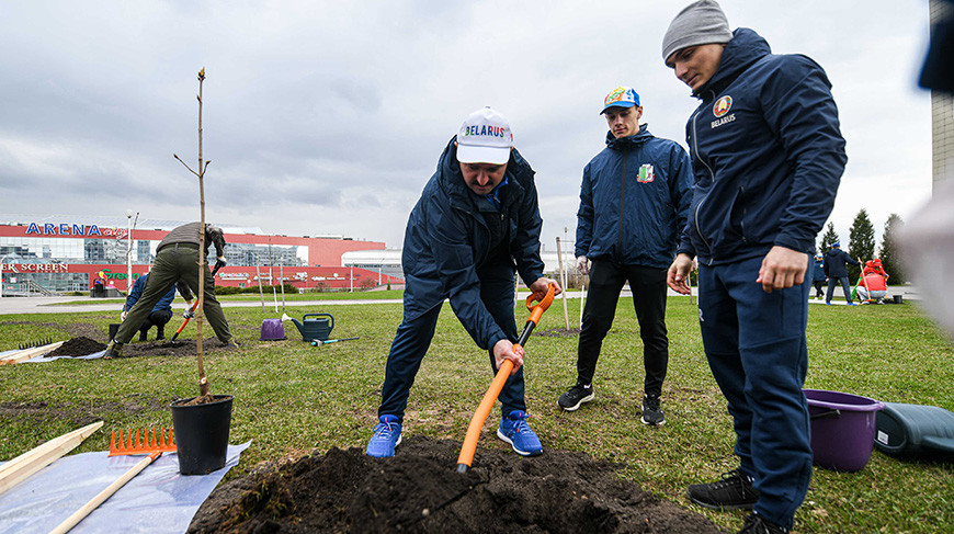 Экологическая акция к Году народного единства прошла на территории БГУФК