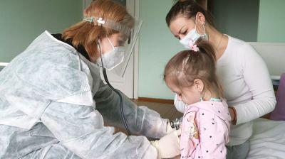 Столичные медики провели прием пациентов в Быховской больнице