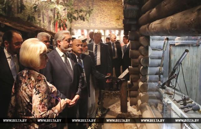 Премьер-министр Афганистана посетил музей истории Великой Отечественной войны