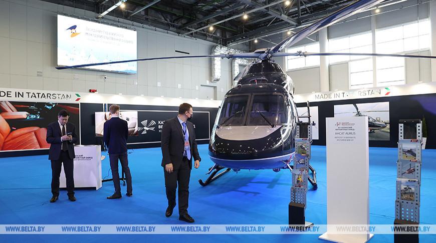 Премьер-министры стран ЕАЭС посетили промышленную выставку в Казани