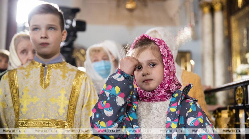 Пасхальное богослужение в Минском Свято-Духовом кафедральном соборе