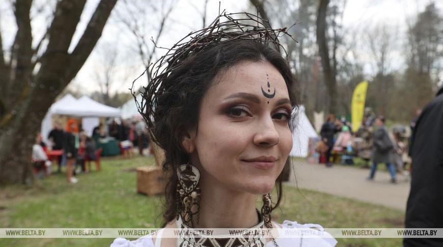 """Весенний фестиваль """"Бельтайн"""" прошел в Ботаническом саду"""