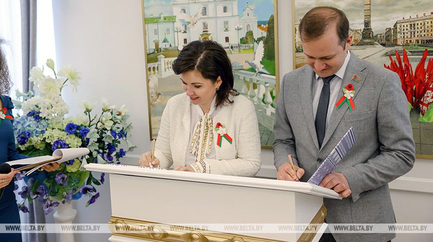 "БРСМ и концерн ""Беллегпром"" подписали соглашение о сотрудничестве"