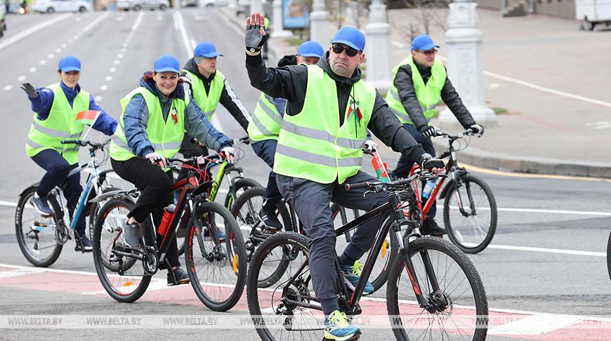 Более 100 сотрудников МЧС приняли участие в велопробеге в честь Дня Победы