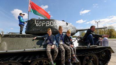 Праздничные гулянья проходят в Минске