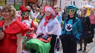 Гродно отметил День семьи парадом детских колясок