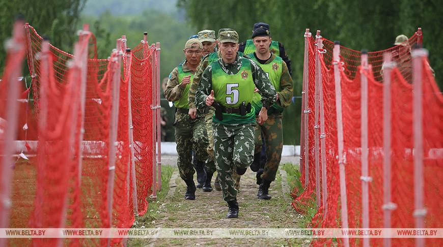 Пограничники из стран СНГ соревнуются в Гродненском районе