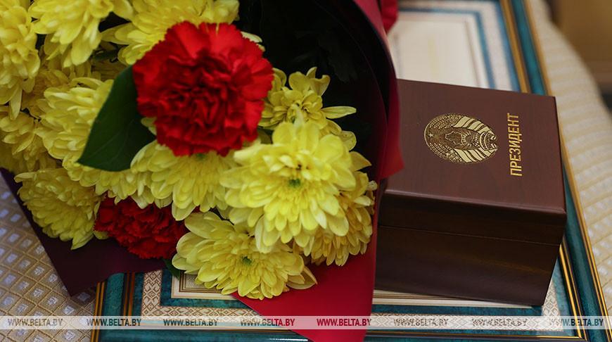 Головченко вручил награды работникам МТЗ