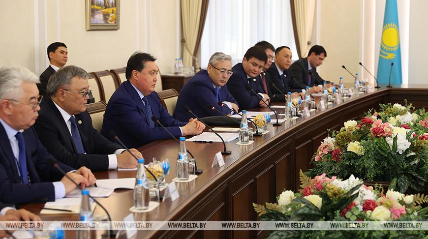 Головченко встретился с премьер-министром Казахстана