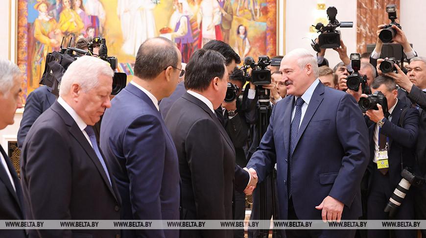 Лукашенко встретился с главами правительств СНГ