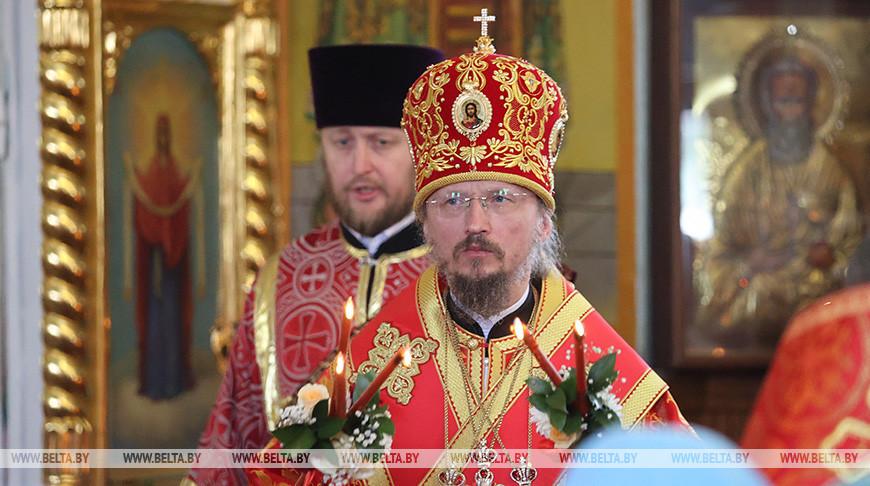 Митрополит Вениамин возглавил литургию в Иоанно-Кормянском женском монастыре