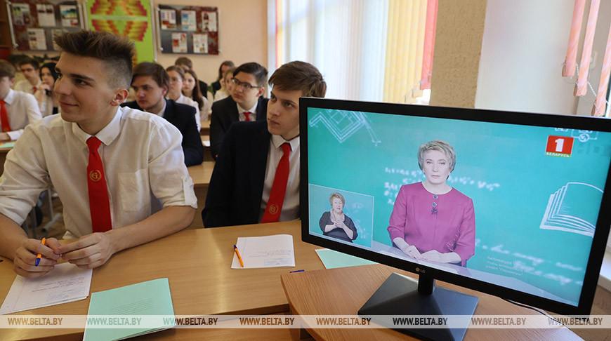 В школах Беларуси начались выпускные экзамены