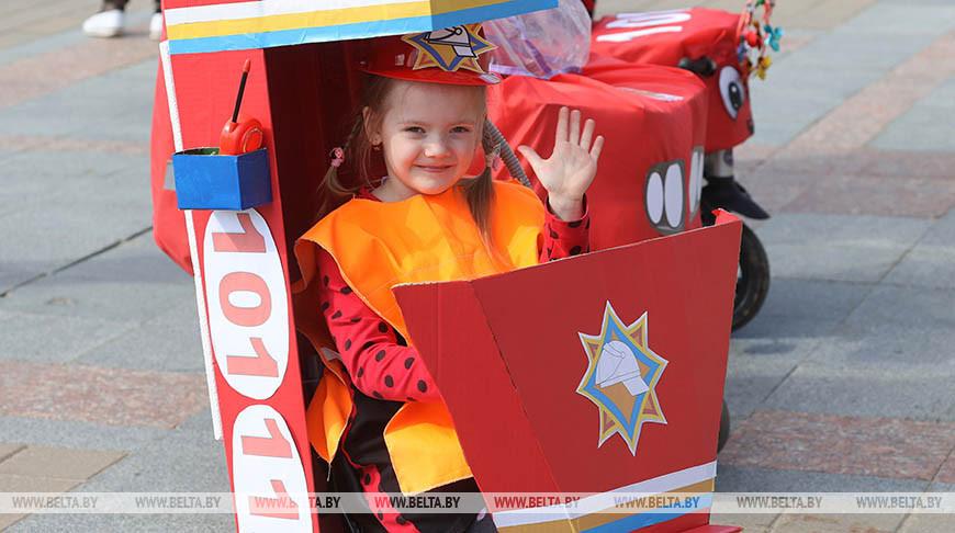 Гонки в ползунках и парад колясок прошли в Витебске