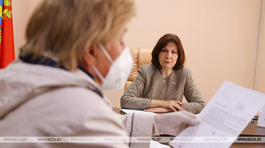 Кочанова проводит личный прием граждан в Боровлянском сельисполкоме