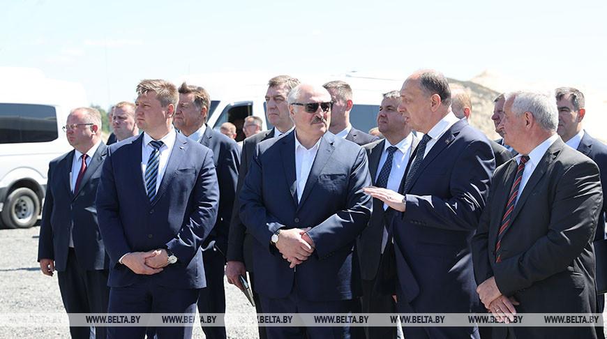 "Лукашенко ознакомился с инновациями при добыче щебня на ""Граните"""