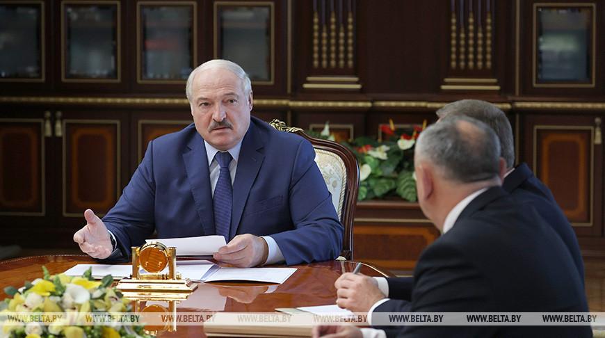 "Лукашенко заслушал доклад о развитии ""Великого камня"""