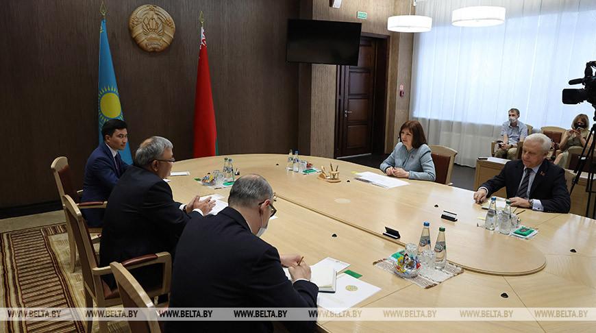 Кочанова встретилась с послом Казахстана