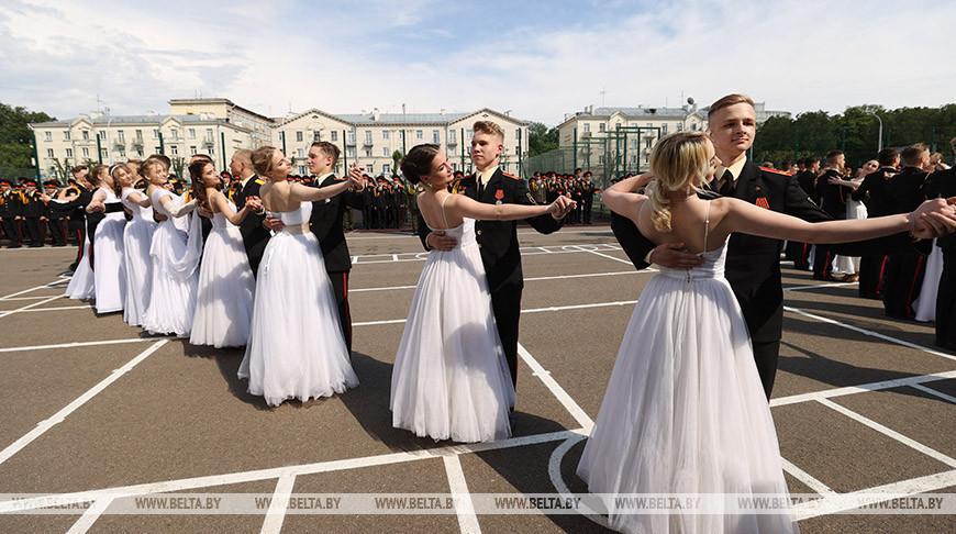 В Минском суворовском военном училище состоялся юбилейный 65-й выпуск
