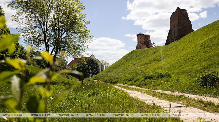 В Новогрудском замке продолжается реконструкция