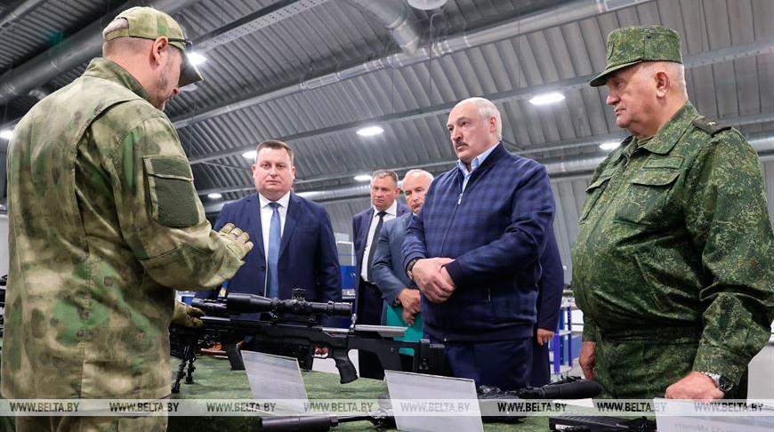 """Лукашенко посетил производственно-технический кластер """"Устье"""""""