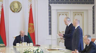 Лукашенко поставил задачи перед местной вертикалью