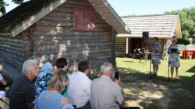 В усадьбе-музее Василя Быкова прошли литературные встречи