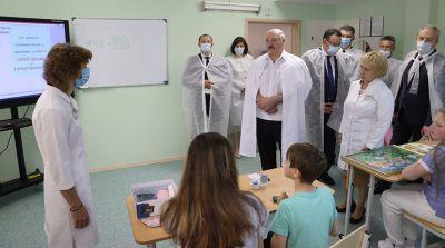 Лукашенко посетил 2-ю детскую клиническую больницу Минска