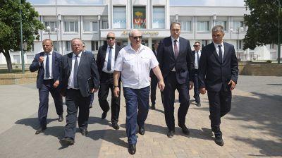Лукашенко пообщался с жителями Свислочи